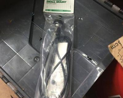 NOS Universal Small Mount Antenna-top Key Lock