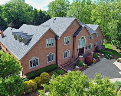 House for Sale in Pittsburgh, Pennsylvania, Ref# 201436937
