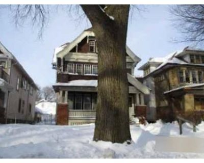 6 Bed 2 Bath Foreclosure Property in Milwaukee, WI 53210 - N 37th St