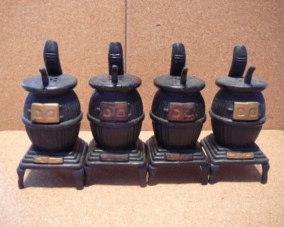 """2 Sets Vintage Plastic """"Black Cast Iron"""" Pot Belly Stove Salt & Pepper Shaker"""