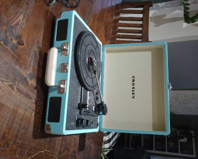 Crosley blue record player/turntable