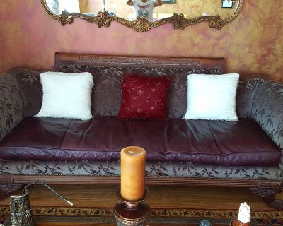 Anitique/Vintage Living Room Sofa/Couch