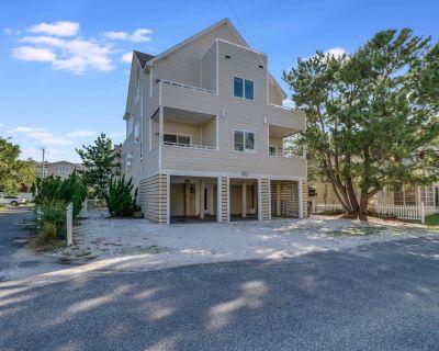 Pet Friendly Ocean Block home in exclusive North Indian Beach! - Dewey Beach