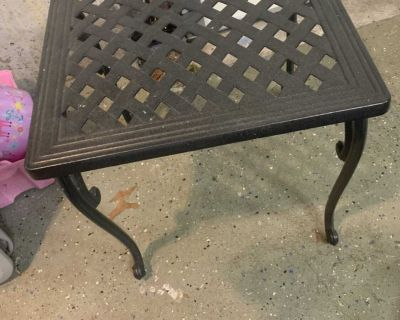 Outdoor side patio table