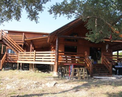 Hill Country Haus - A Texas Hill Country Escape - Canyon Lake