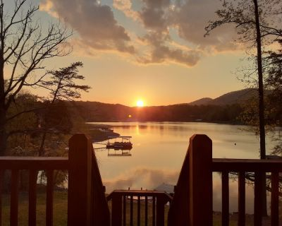 LAKEFRONT 4/3.5, Private Dock, Pool Table, Lakeside Firepit, Kayaks, Paddleboat - Young Harris