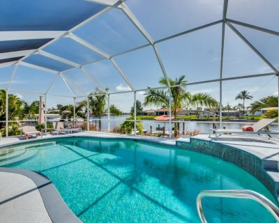 Modern Villa SW of Cape Coral in quiet Surfside Blvd area with gulf access - Pelican