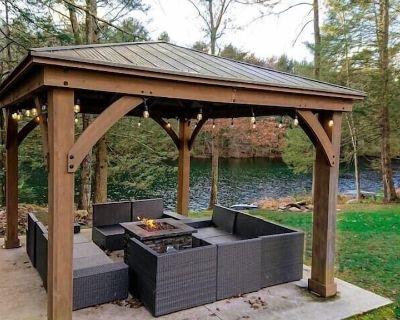 Modern 6 BR Lakefront~Hot tub~Sauna - Henryville
