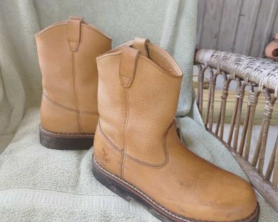 Farm and Ranch work boots Size 5 1/2 M