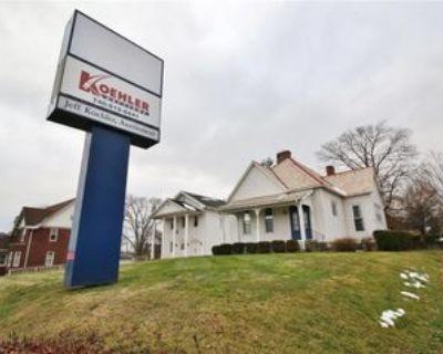 1535 Maple Ave, Zanesville, OH 43701 Studio