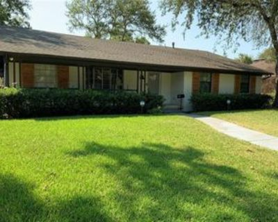 5015 Menefee Dr, Dallas, TX 75227 3 Bedroom Apartment