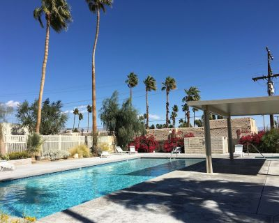 Townhouse style Condo in HOT northern end of Palm Springs - Little Tuscany