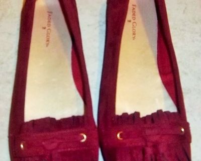 New women's burgundy shoes size 9 - never worn