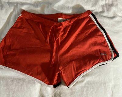 Puma size M stretch athletic shorts