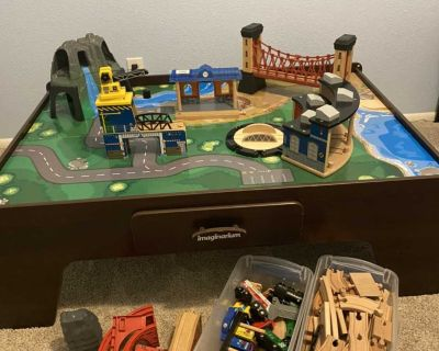 Imaginarium play table with complete train set