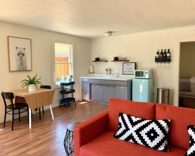 awesome downtown cottage ...all yours! - Paso Robles
