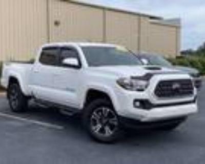 2019 Toyota Tacoma White, 7K miles
