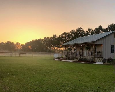 Fairfield Farm Cottage DogHorsesWelcome EV Charger - Fairhope