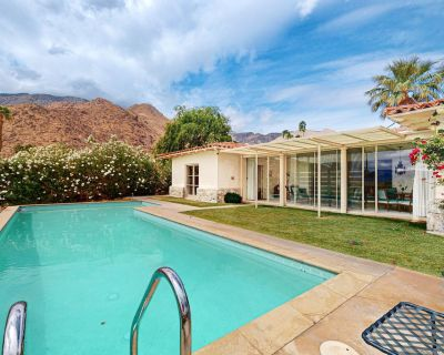 Retro retreat w/ stunning mountain & city views, a private pool, & gas grill! - Little Tuscany