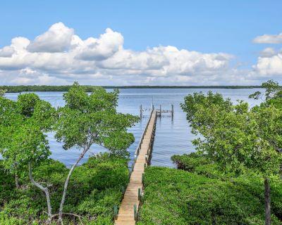 Beach House B - Estero Bay, 3 bedrooms, 2 bathrooms, amazing waterview - Mid Island