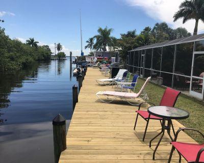 Pet-Friendly / Family-Friendly Waterfront Vacation Rental + Free Boat Dockage! - Matlacha