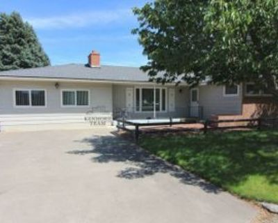 1610 N Young St, Kennewick, WA 99336 3 Bedroom House