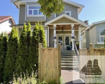 Renfrew St & E Hastings St, Vancouver, BC V5K 1W4 Room