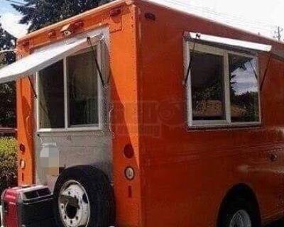 Freightliner Diesel Step Van Kitchen Food Truck with Restaurant-Grade Equipment