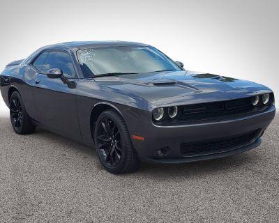 Pre-Owned 2018 Dodge Challenger SXT