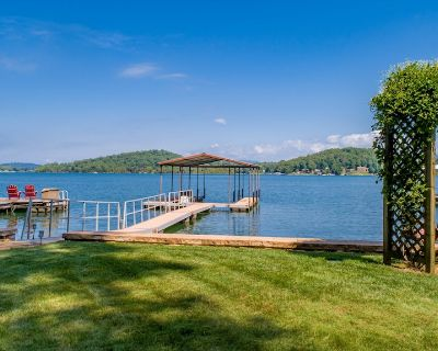 Chatuge Lakefront Home, Premium Lot with Amazing Lake & Mtn Views 5 min to Town - Hiawassee