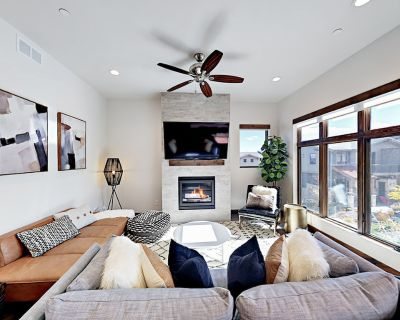 Mountain-View Condo w/ Balconies, Pool & Hot Tub - Walk to Cabriolet Gondola! - Park City