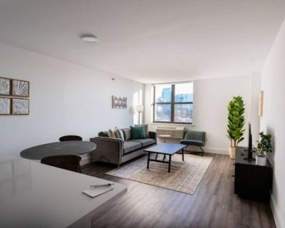 Modern and Bright 2BR w/Gym 15 Min From NYC