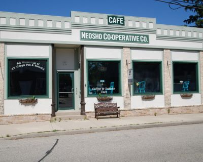 Updated commercial site downtown Neosho