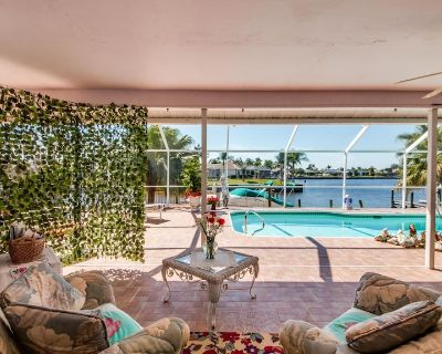 Double the fun, SLEEPS 14! Pet Friendly with 2 Heated Pools - Lakeside at Cat Cay - Roelens - Cape Coral