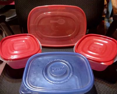 LOT OF KITCHEN STORAGE CONTAINERS