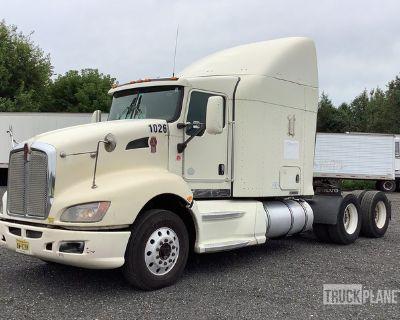 2010 Kenworth T660 6x4 T/A Sleeper Truck Tractor