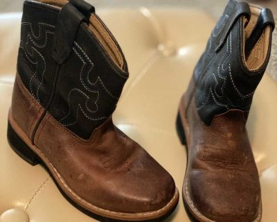 Toddler size 7 leather boots