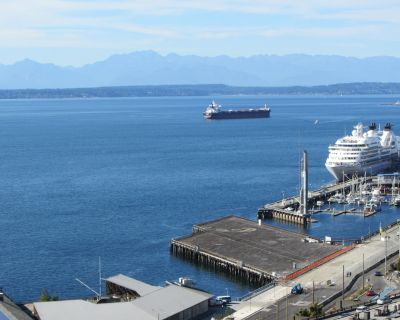 1 Block to Pike Place Market, 2 King Beds in Over 1300 Sq Ft, Water Views - Downtown Seattle