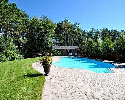 Staycation Resort Style Getaway Barrie w/ Pool! - Barrie