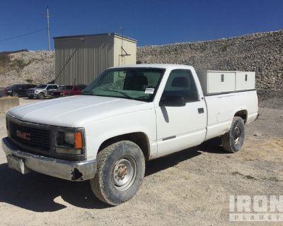 1999 GMC Sierra 2500 4x2 Utility Truck