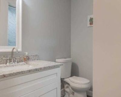 Room for Rent - a 7 minute walk to bus 58 and 85, Atlanta, GA 30314 2 Bedroom House