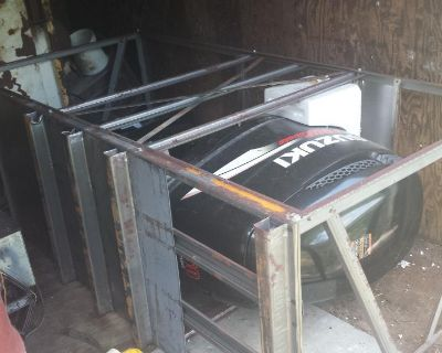Suzuki 200hp-300hp Shipping Crate for Sale (Will fit any large V6 outboard)