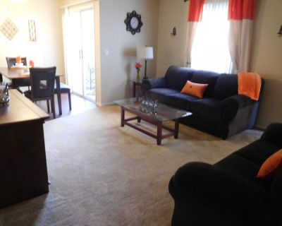 504B Sleeps 8, 2 Bd +2 Bth At Pool - North Country Meadows