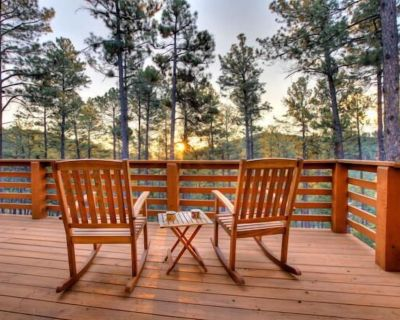 Escape to the Sierra Blanca Mountains for a family or friend reunion in the wood - Alto
