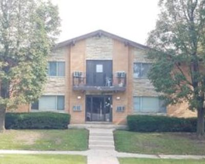 5674 North 99th Street #4, Milwaukee, WI 53225 2 Bedroom Apartment