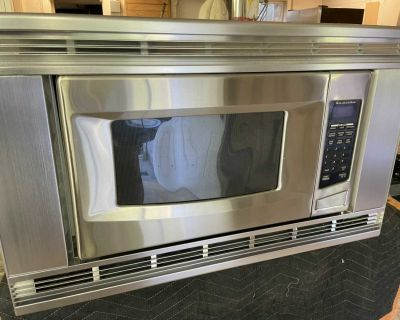 Kitchen Aid 30 built in Microwave