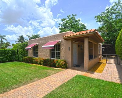 Cozy house w/ hot tub, close to beach, parks and zoo - Southwest