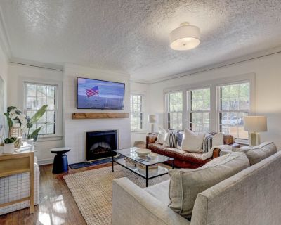Large luxury Home - Walk to Campus/Stadium in the Heart of Norman - Norman