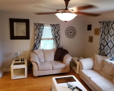 Beautiful 2 Bedroom Suite In Downtown Hibbing - Hibbing
