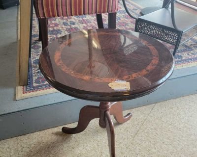 Wooden Round Accent Table